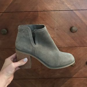 Urban outfitter boots